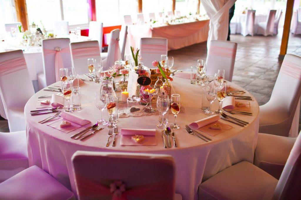 1 svadobný stôl