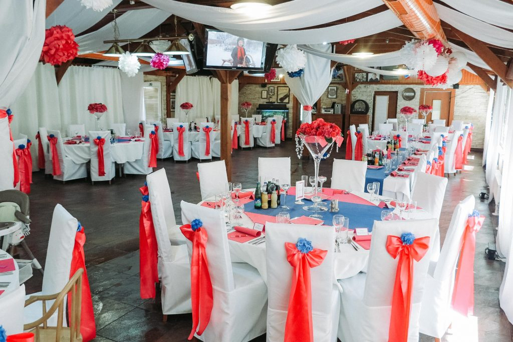 svadba farebná s okrúhlymi stolmi 006